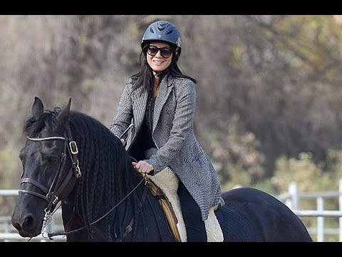 What a beauty! Olivia Munn looks h0t to trot as she saddles up for horse riding lesson