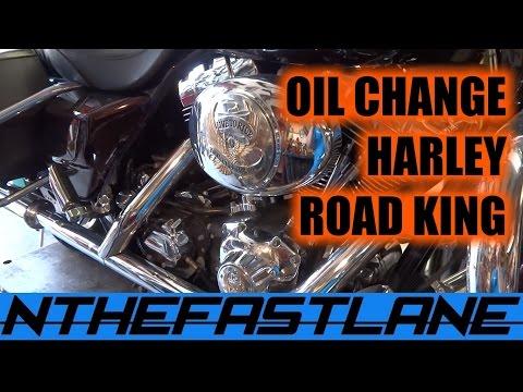 Oil Change: Harley Road King Custom 2005