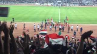 #x202b;ملعب البصره الدولي تبادل التحايا بين فريق العهد اللبناني والجمهور العراقي#x202c;lrm;