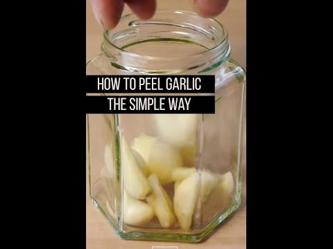 How To Peel A Garlic Easy , Easily Peeling A Garlic