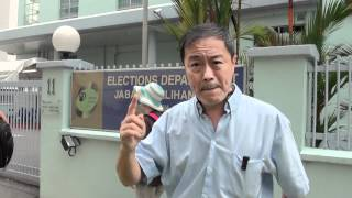 Raw Video Police Tried To Prevent Uncleyap From Recording News Video @ Election Dept 25.may.2012
