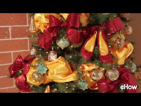Themed Tree Decorating Timelapse with Dr. Christmas