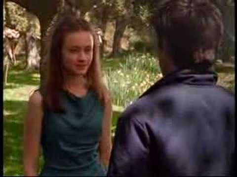 Rory and Jess' first kiss