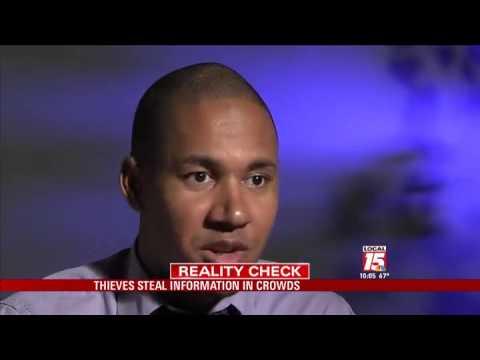 'Crowdhacking' Steals Credit Cards Feet Away