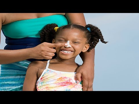 Sunscreen 101: 3 Things to Know Before Buying & Applying Sun Tan Lotion