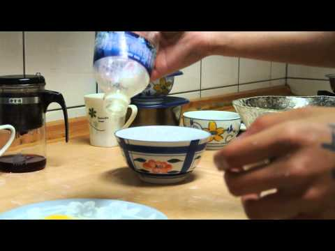 How to remove the egg yolk easily