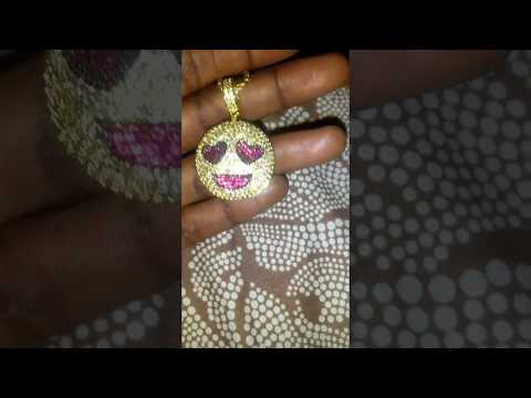Customers Review- Aporro 14K Gold Grinning Face with Heart Eyes Emoji