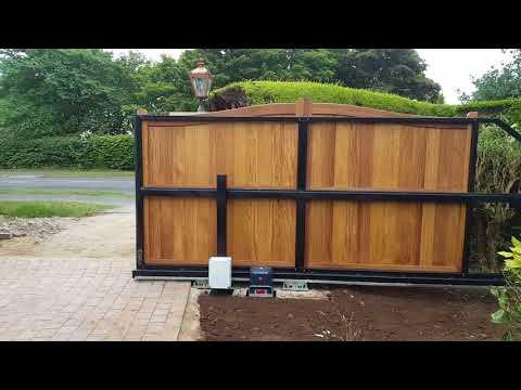 Cantilever Timber & Steel Sliding Gate