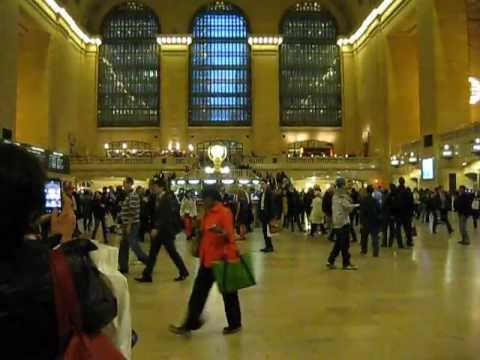 Grand Central Station at a Thursday rush hour