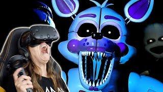 Mom Plays FIVE NIGHTS AT FREDDYS VR!! *Bad Idea*