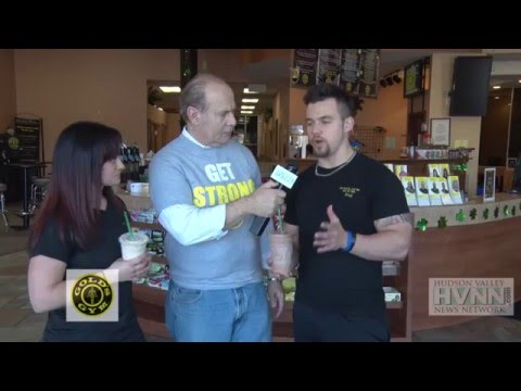 Golds Gym Shakes with Lindsay & Dizzy