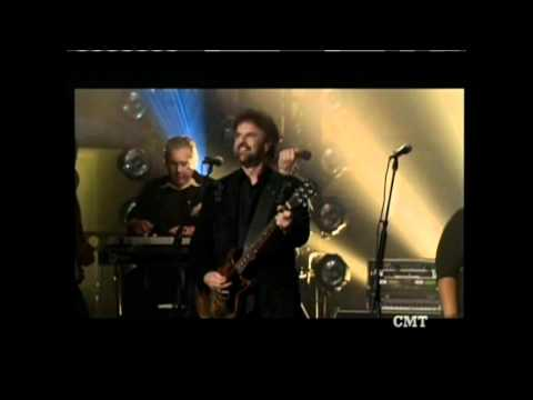 38 Special & Trace Adkins perform together Muddy Water (HD)