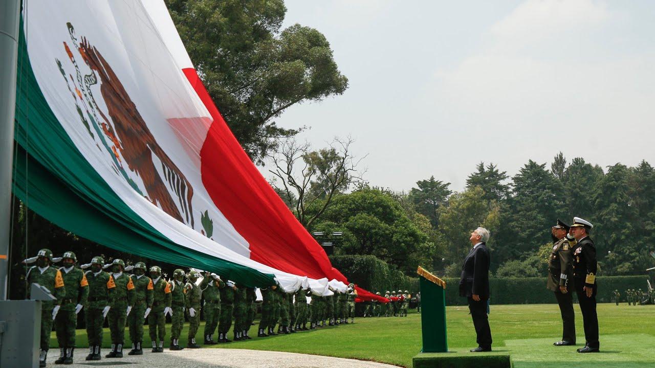 Ceremonia de revista de entrada de la Comandancia del Ejército Mexicano, desde Campo Marte