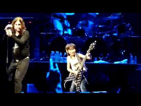 Ozzy doing CRAZY TRAIN with very young japanese guitarist Yuto Miyazawa.