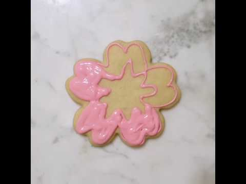 Hibiscus flower cookie