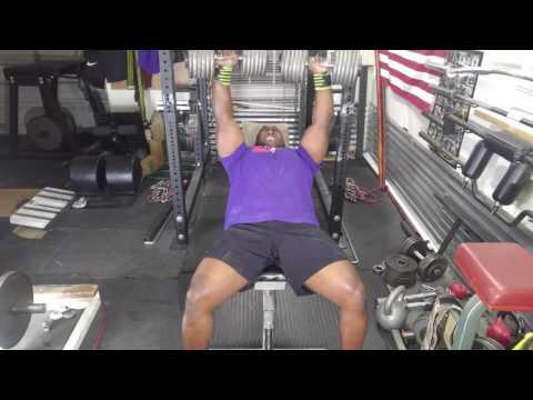 Max Effort  bench Press with  chains( garage  gym training )