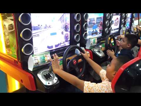 Ramone practicing 3DX+ racing game. Nissan Fairlady Z 530HP Manual Trans
