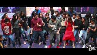Kartik Aaryan | Nushrat Bharucha | Sunny Singh dancing at Pillai College