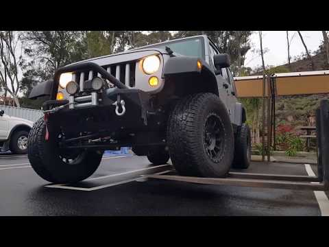 Jeep Rubicon Fork Lift Sway Bar Disconnect Demonstration