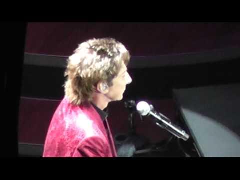 #3 Barry Manilow Docklands O2 concert 07 / 05 / 2011