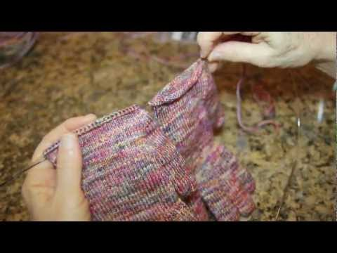 How to Knit Two Items at Once in the Round, with 2 Circular Needles