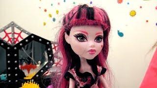 Куклы Монстер Хай: Дракулаура на свидании с Нейтаном Рот