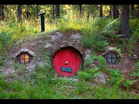 Amazing hobbit house designs