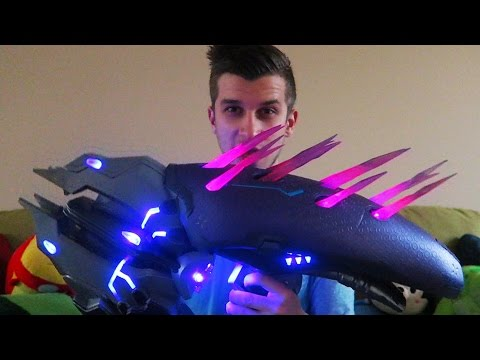 REAL LIFE NEEDLER!! TOP TOY OF 2015!! (Halo 5 Limited Edition Needler Replica Unboxing)