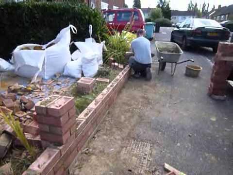 Rebuilding A Front garden Wall UK Aug 2012