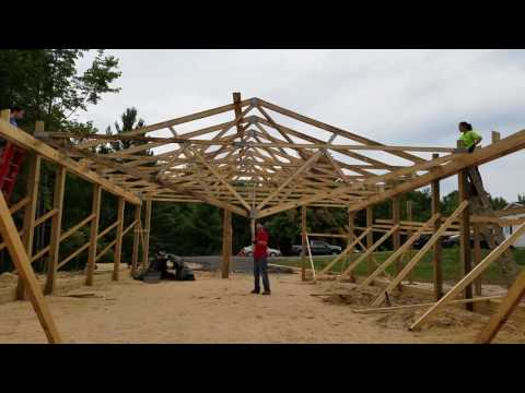 Setting a truss without a crane