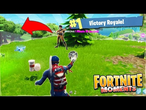 TROLLING MY TEAMMATE in Fortnite: Battle Royale! (Fortnite Funny Moments #1)