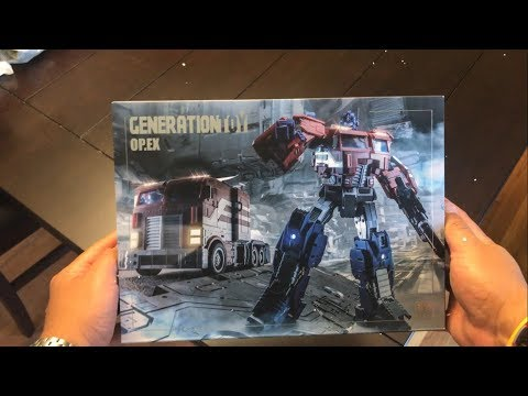 Generation Toy GT-03 IDW Optimus Prime UNBOXING