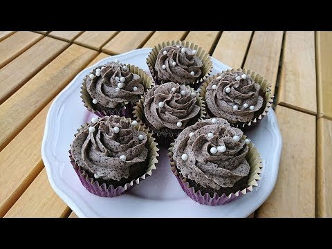 How to Make 'The Grey Stuff' - Chocolate Cupcakes with an Oreo Buttercream Frosting!