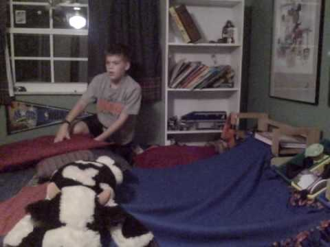 how to build a fort out of blankets