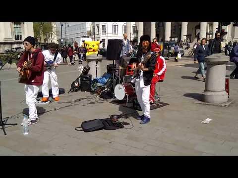 The Airplane streetartists on Trafalgar Square, London