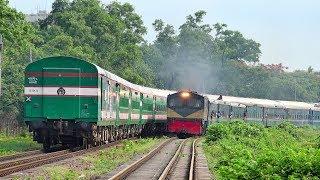 Train Crossing between Sundarban Express and Turag Express of Bangladesh Railway