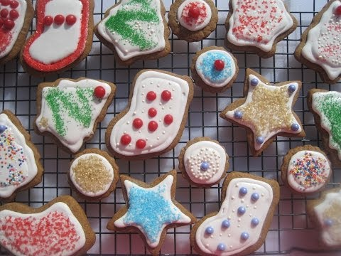 DECORATING COOKIES WITH ROYAL ICING - How to make ROYAL ICING Recipe and  DECORATE CHRISTMAS COOKIES