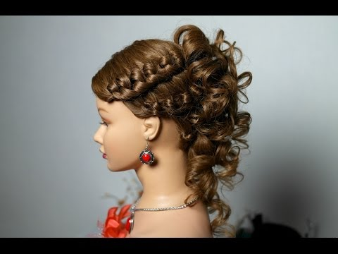 Knotted hairstyle for medium long hair with curls