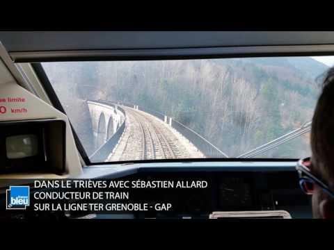 Embarquement sur la ligne TER Grenoble - Gap, l'une des plus hautes lignes TER de France