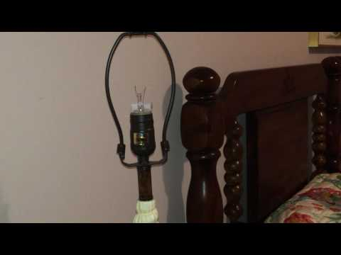How to remove a broken bulb