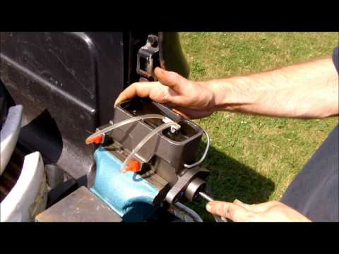 How to - Bench Bleed a Brake Master Cylinder