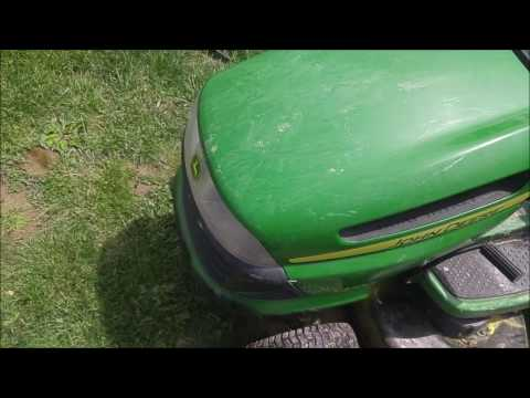 How to Set And Release Parking Brake On John Deere LA100 Riding Lawnmower