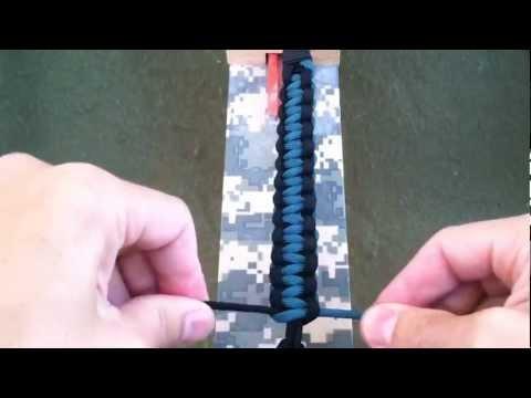 Paracordist How to make a two color paracord bracelet (Cobra Weave) / Solomon Bar