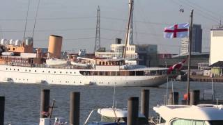 Ship videos - Royal yacht Dannebrog arriving in London with original music by Jacques Mostert.