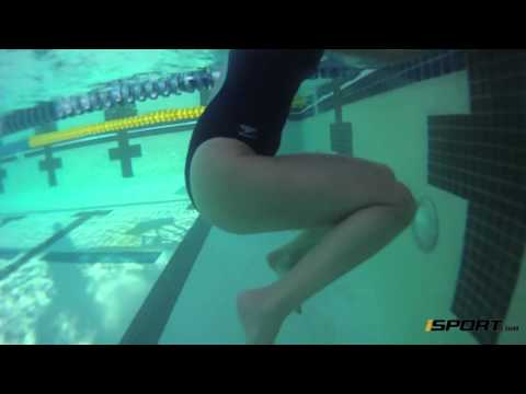 How to Tread Water for Beginning Swimmers