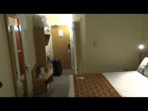 Holiday Inn Express London Luton Airport Hotel Room Video