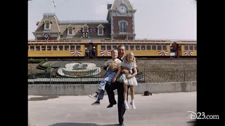 AMAZING AND RARE COLOR VINTAGE PHOTOGRAPHS OF DISNEYLAND IN - 18 amazing rare colour photos disneyland 1955