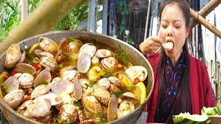 The woman made a shell, put in lemon, pickled pepper, so delicious, hot and sour!