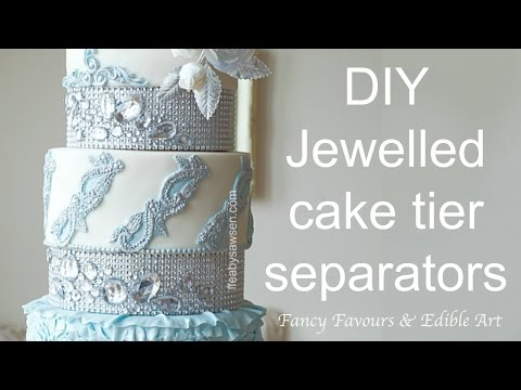 Diamond wedding cake tier separators