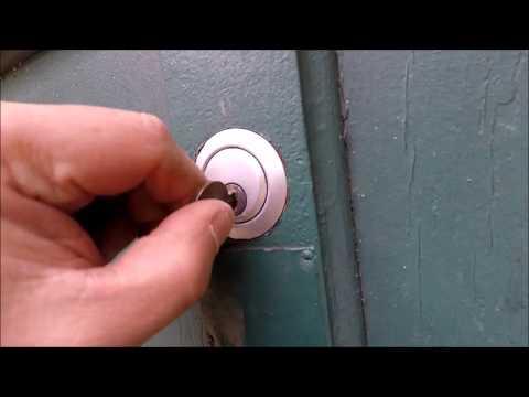 Loose garage door lock tumbler